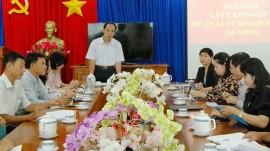 Phó trưởng Đoàn ĐBQH tỉnh Trương Văn Vở chủ trì hội nghị