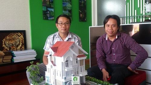 Thành lập doanh nghiệp mới - Anh Nguyễn Minh Phú (trái) - Chuyên viên tư vấn thành lập công ty của Luật Việt Á